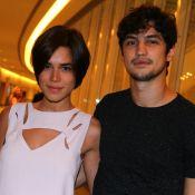 Namorados, Gabriel Leone e Carla Salle serão irmãos na novela 'Em Nome do Amor'
