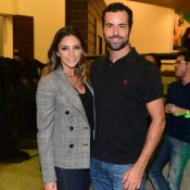 Carol Celico vai com namorado à pré-estreia de filme de Paulo Gustavo em SP