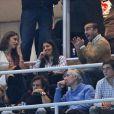 Irina Shayk assiste ao jogo de Cristiano Ronaldo, que faz dois gols na partida contra o Real Sociedad em 6 de janeiro de 2013