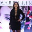 Camila Queriroz diz que se divertiu ao gravar clipe da Maybelline: 'Muitos batons'