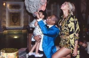 Beyoncé aparece em festa de Réveillon com a filha, Blue Ivy, e com Jay-Z