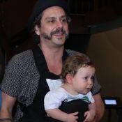 Alexandre Nero comemora um ano do filho, Noá, com meme: 'Não consegui resistir'