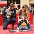 Ryan Reynolds ganhou estrela na Calçada da Fama, Los Angeles, nos Estados Unidos, nesta quinta-feira, 15 dezembro de 2016, e foi prestigiado por Blake Lively e suas duas filhas