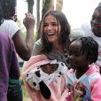Bruna Marquezine também participa de eventos com crianças refugiadas no Brasil