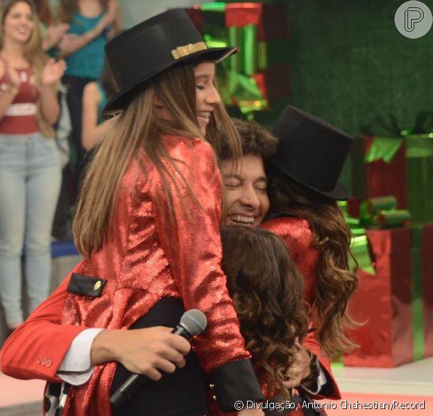 Rodrigo Faro recebe surpresa das três filhas em programa de Natal, no próximo domingo, dia 25 de dezembro de 2016