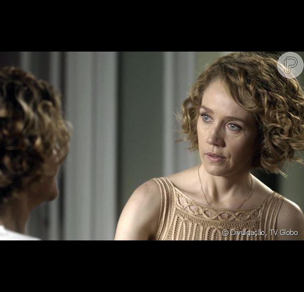 Durante conversa com Silvia (Regina Braga), Vitória (Camila Morgado) descobre que Ciro (Thiago Lacerda) tem uma amante e está passando por uma crise no casamento, no capítulo deste sábado, dia 24 de dezembro de 2016, na novela 'A Lei do Amor'