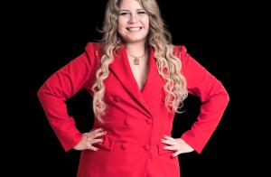 Marília Mendonça rebate críticas sobre corpo: 'Eu canto, não subo na passarela'