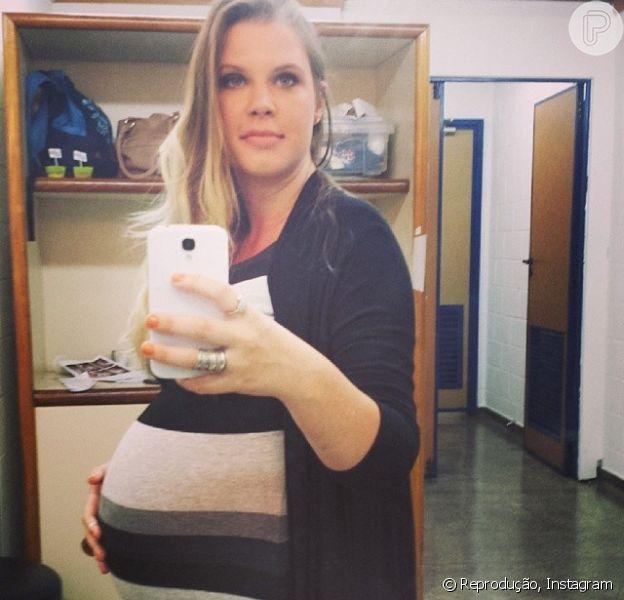 Carolinie Figueiredo, grávida de oito meses, quer tentar parto nomal para a chegada de seu segundo filho, em 24 de janeiro de 2014