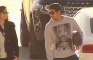 Neymar aparece pela primeira vez caminhando sem muletas em treino do Barcelona
