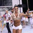 Gracyanne Barbosa exibiu a barriga sarada no sambódromo do Anhembi, em São Paulo, na noite desta sexta-feira, 3 de fevereiro de 2017