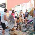 Luana Piovani acompanhada por Pedro Scooby e Thiago Lacerda e a mulher, Vanessa Lóes, levaram os seus respectivos filhos a um evento infantil neste domingo, 5 de fevereiro de 2017, no Cais do Porto, no Rio