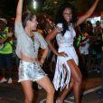 Wanessa e Camila Silva se divertem em ensaio de rua, nesta segunda-feira, 6 de fevereiro de 2017