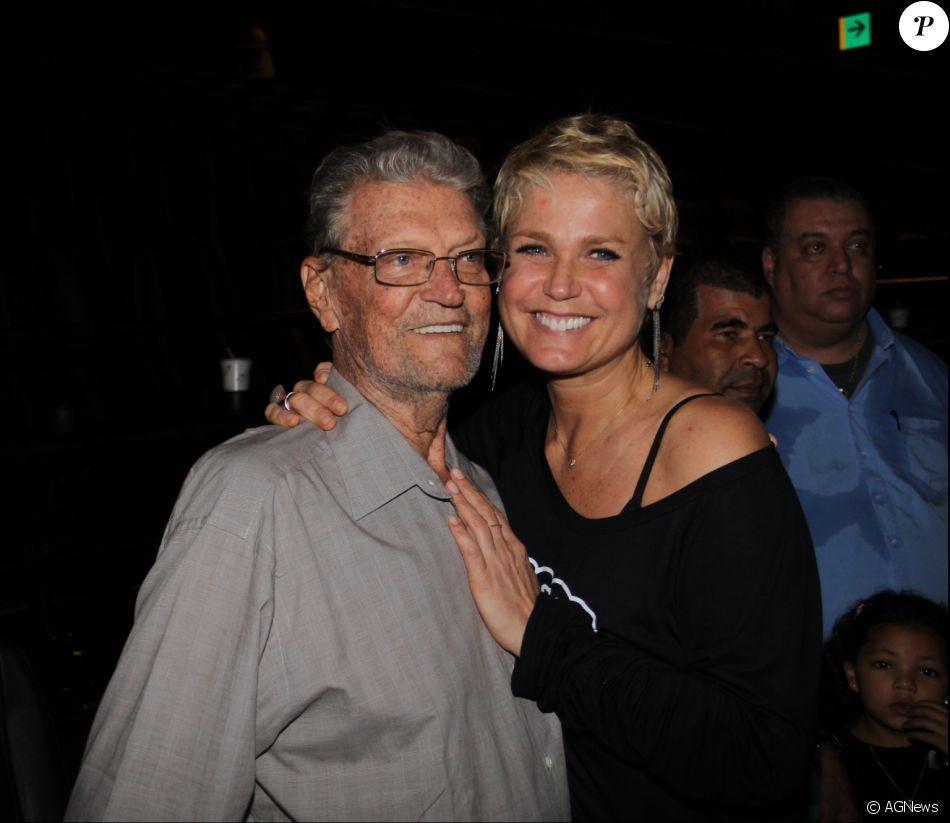 Com o pai, Luiz Floriano, internado, Xuxa pediu orações aos fãs: 'Hoje peço pelo velho Menega (Luiz Meneghel)'