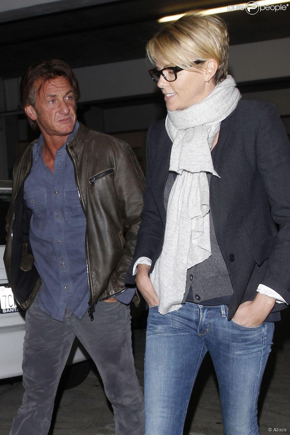 Charlize Theron e Sean Penn já estão planejando casamento. De acordo com o site 'Radar Online', os dois começaram a pensar na cerimônia após Sean se mudar para a acasa de Charlize