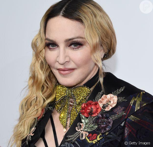 Madonna festeja adoção de gêmeas no Malauí com foto das crianças nesta quarta-feira, dia 08 de fevereiro de 2017