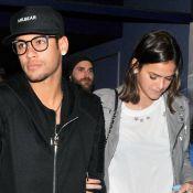 Neymar aparece abraçado a Bruna Marquezine em nova festa de aniversário. Fotos!