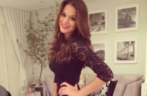 Bruna Marquezine usa vestido de grife para prestigiar festa de empresário, no RJ