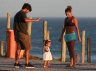 Deborah Secco exibe barriga seca em passeio com Hugo Moura e Maria Flor. Fotos!