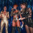 Giovanna Antonelli subiu ao palco do baile da 'Vogue' e se divertiu na companhia de Sabrina Sato e Tatá Werneck