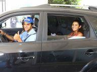 Felipe Simas e a mulher deixam hospital após nascimento da 1ª filha, Maria. Foto