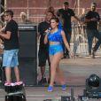 Anitta faz participação especial no show da Banda Eva em festa de carnaval no Canindé, em São Paulo