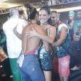 Juliana Paes prestigia feijoada da escola de samba Grande Rio e brinca com a rainha de bateria, Paloma Bernardi
