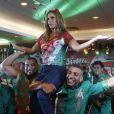 Ivete Sangalo também é carregada no colo pelos ritmistas da Grande Rio durante feijoada que aconteceu em um hotel em São Conrado, na Zona Sul do Rio , na noite deste sábado, 18 de fevereiro de 2017