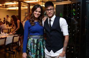 Bruna Marquezine não opina nos looks de Neymar: 'Maneira única de se vestir'
