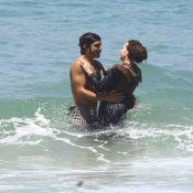 Caio Castro e Leticia Colin gravam 'Novo Mundo' na praia com trajes de época
