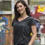 Lívian Aragão retorna à novela 'Malhação' como Júlia, que reencontra Arthur