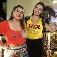 Leticia Lima posa ao lado de Preta Gil no trio elétrico, no Carnaval em Salvador, Bahia, na noite desta quinta-feira, 23 de fevereiro de 2017