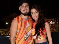Daniel Rocha curte camarote no Carnaval de Salvador com a namorada. Fotos!