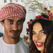Isis Valverde e o namorado, fantasiados, curtem baile de Carnaval no Rio. Vídeo!