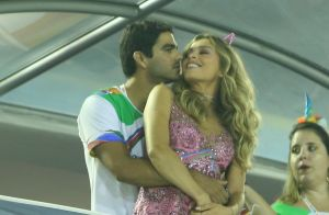 Grazi Massafera samba e beija namorado, Patrick Bulus, em camarote. Fotos!