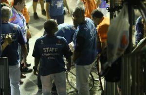 Boni deixa Sapucaí em cadeira de rodas após passar mal em desfile. Fotos!