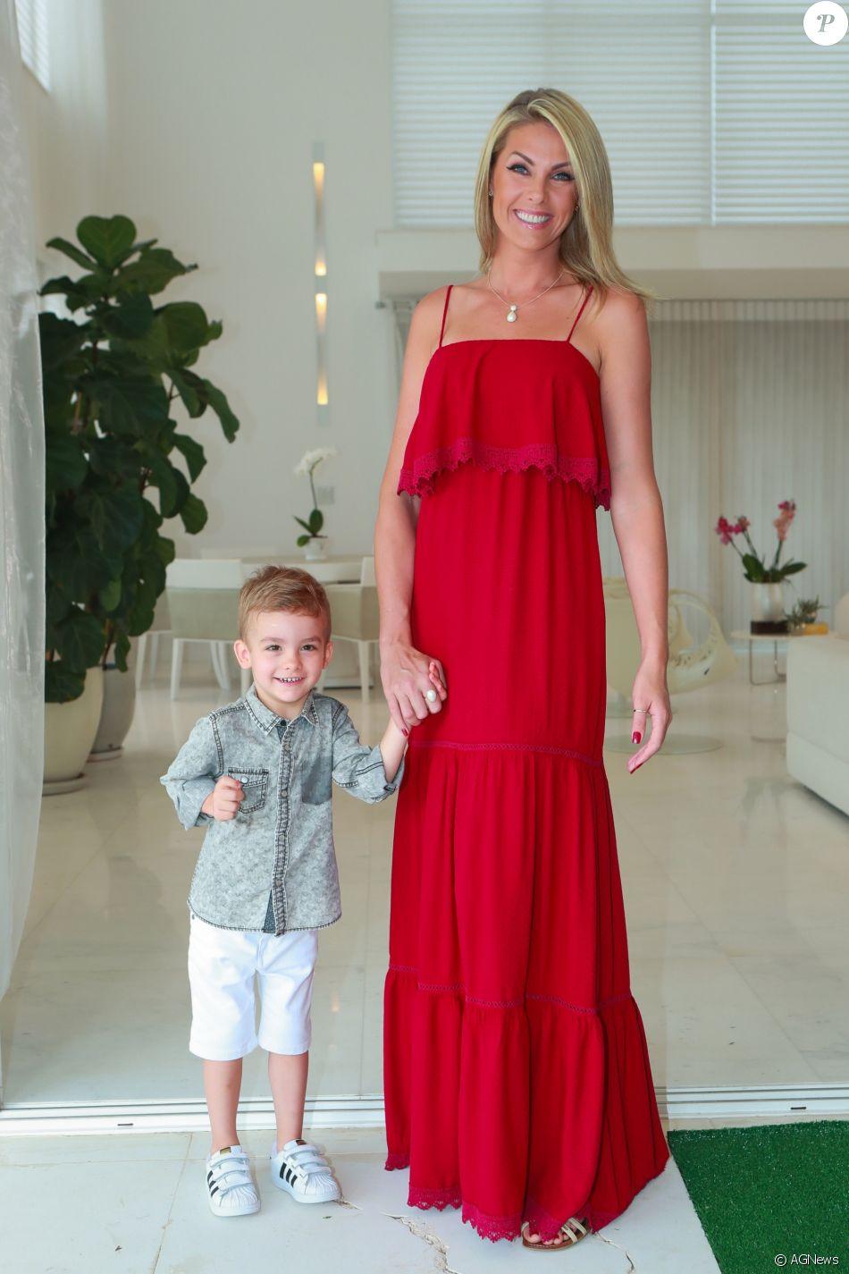 30418fd37e543 Ana Hickmann, sem o marido Alexandre Corrêa, vai viajar para Disney com o  filho