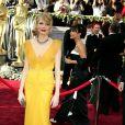 Michelle Williams sou um modelo amarelo da estilista Vera Wang, no Oscar de 2006. O vestido não agradou a alguns profissionais, que afirmaram que o look era da cor da pele da atriz