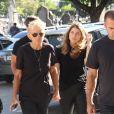Xuxa Meneghel decidiu adiar a festa de aniversário após a morte do pai
