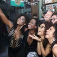 Atrizes se divertiram ao lado de Marcello Novaes e Marcello Melo Jr. na festa de encerramento da novela 'Sol Nascente' em restaurante
