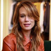 Mariana Ximenes explica novo visual em evento: 'Cor próxima do cabelo natural'