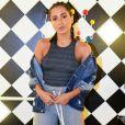 Anitta aproveitou para 'reclamar' dos quitutes preparados para a festinha