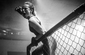 Paolla Oliveira luta no 'Esporte Espetacular' e movimenta web: 'Que mulher'