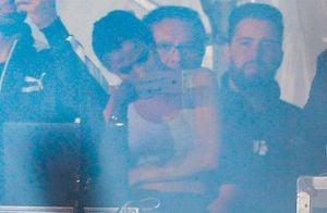 Selena Gomez acompanha show do namorado, The Weeknd, no Lollapalooza, em SP