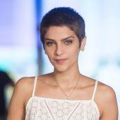 Isabella Santoni posa careca em processo de caracterização para 'A Lei do Amor'