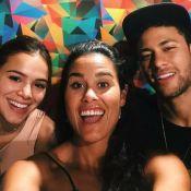 Bruna Marquezine e Neymar encaram jogo de raciocínio com surfista em SP. Vídeo!