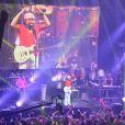 Bell Marques encerra participação com banda Chiclete cmo Banana em show em show em Salvador, Bahia