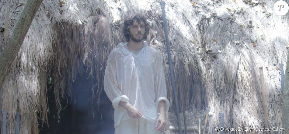 Joaquim (Chay Suede) fica preso na mata após cair em armadilha dos índios, na novela 'Novo Mundo', a partir de 3 de abril de 2017