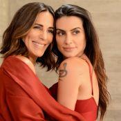 Cleo Pires posa de lingerie com a mãe, Gloria, e web elogia: 'Beleza genética'