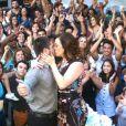 Salete (Claudia Raia) foi ovacionada pelo povo de São Dimas, no último capítulo da novela 'A Lei do Amor'