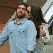 Rodrigo Lombardi ganha carinho e sorvete na boca da mulher, Betty Baumgarten
